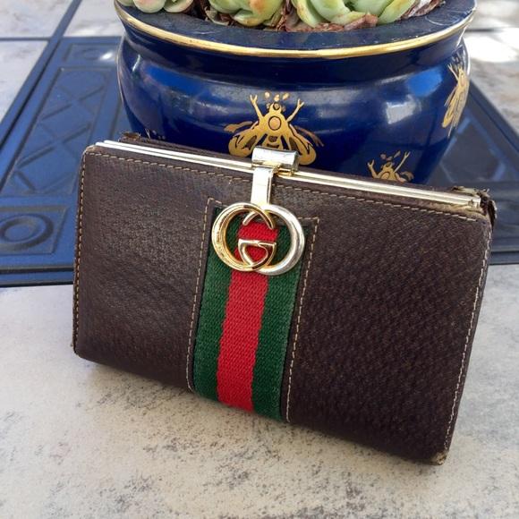 8ea74ac84 Gucci Handbags - Gucci • Authentic Vintage Leather Wallet